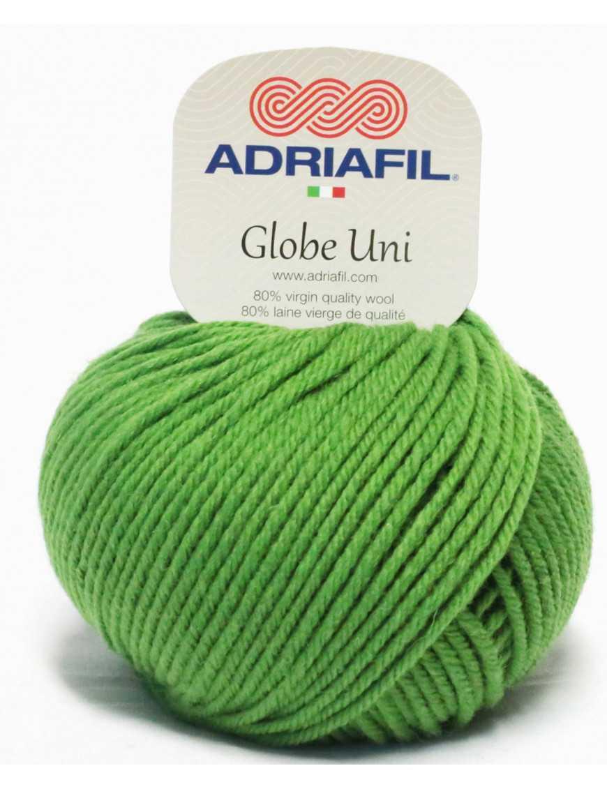 Yarn Globe Uni grass green 50